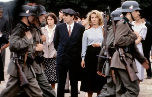 uns-et-les-autres-1981-05-g